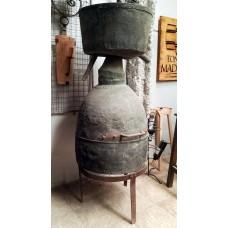 Alquitara de cobre antigua